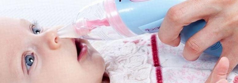 Чистить нос новорожденному аспиратором