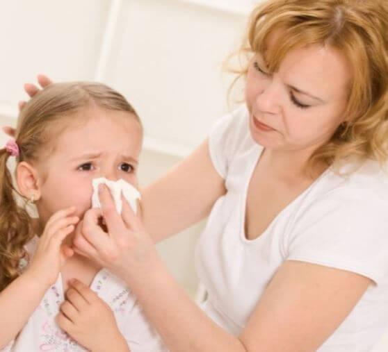 Как вылечить конъюнктивит у ребенка комаровский