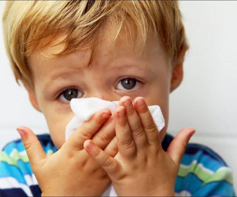 У ребенка заложен нос: как помочь?